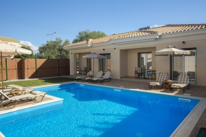 BUNGALOWS POOL (2)