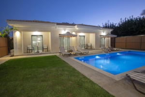 BUNGALOWS POOL (4)